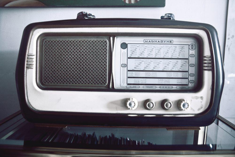 music-old-radio-speaker-1539